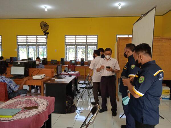 Pelaksanaan ANBK (Asesmen Nasional Berbasis Komputer), Rabu 22 September 2021 SMK Negeri 3 Lubuklinggau Hari Ke-1, mendapat kunjungan Tim ANBK Dinas Pendidikan Provinsi Sumsel